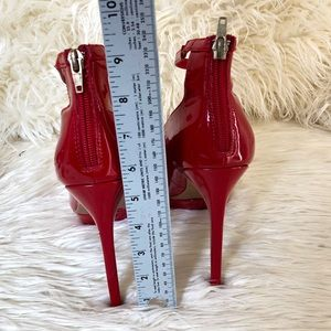 Signature Shoes - Signature Red Hot Stilettos High Heels | Size: 9